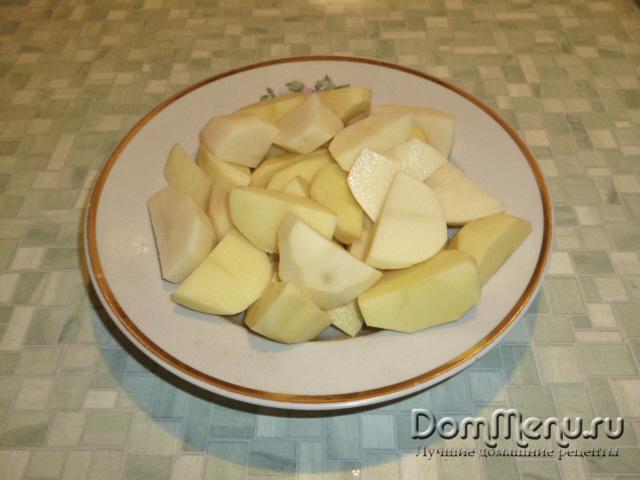 Нарезаем картошку