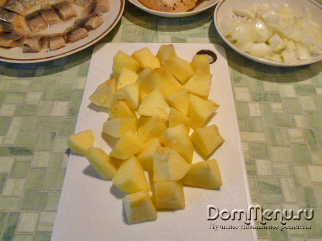 Яблоко, форшмак из сельди