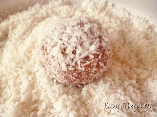 Obvalyaem sharik v kokosovoi strujke