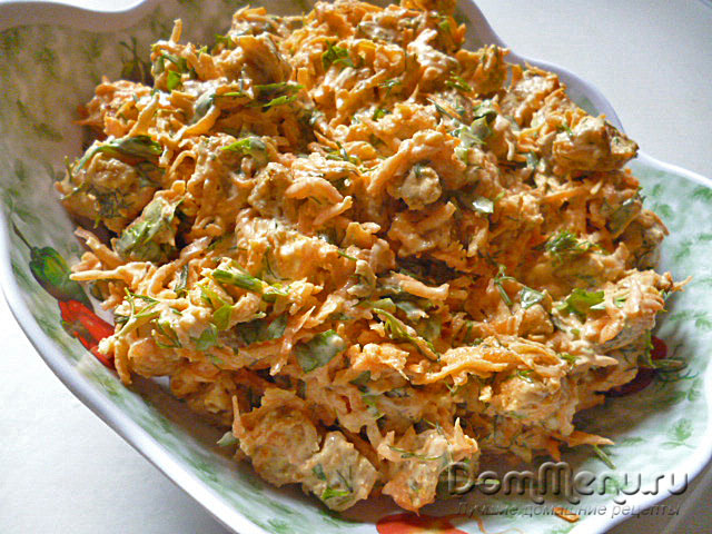 Morqovny`i` salat s suhariqmi